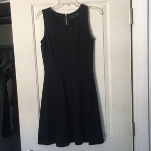 Flattering and Comfortable Cynthia Rowley Dress
